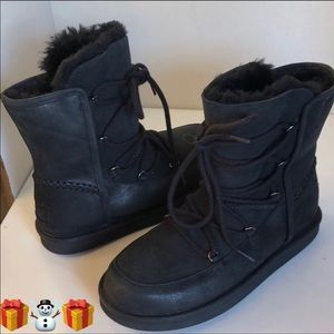 💖New Ugg Lodge Black Laced up Fully lined boots 5